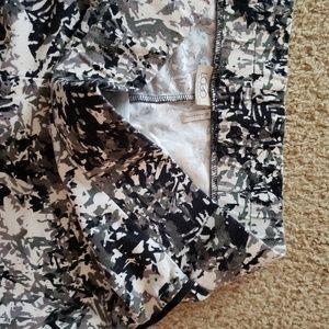 LOGO by Lori Goldstein Pants - BOGO ♡ camo floral leggings